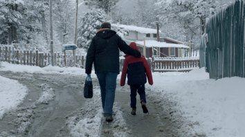Padre e hijo. Diego Gentile y Joel Noguera interpretan una trama de adopción en un pueblo fueguino.