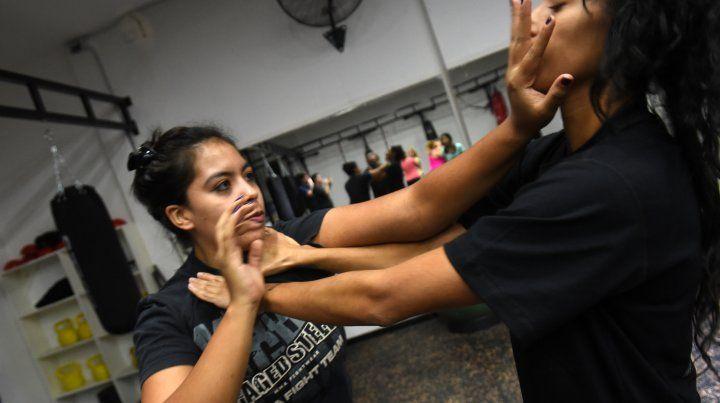 Por la inseguridad y el acoso, crece la demanda de cursos de defensa personal para mujeres