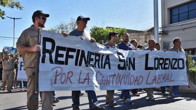 Reclamo. Los trabajadores petroleros no abandonan la lucha.