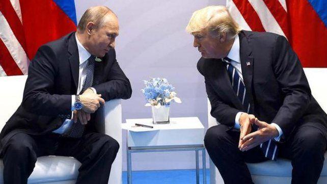Trump causó estupor con una serie de declaraciones en las que afirmó  que tiene el poder para indultarse a sí mismo en el Rusiagate.