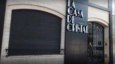 Uno de los dueños de La Casa de Cristal fue denunciado por abusar sexualmente de una trabajadora del local nocturno, de 19 años.