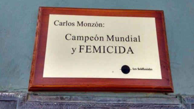 Quitaron la placa de Carlos Monzón que lo acusaba de femicida