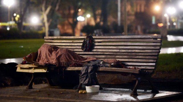 Pobreza. La inflación y el desempleo profundizan la crisis social provocada por la política económica.