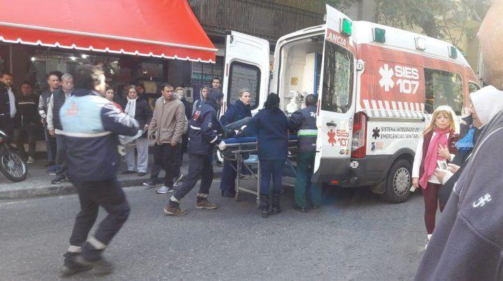 Una mujer fue atropellada por un colectivo en pleno centro y está en estado delicado