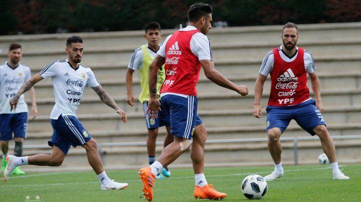 Sampaoli probó el equipo con la mente puesta en el debut mundialista
