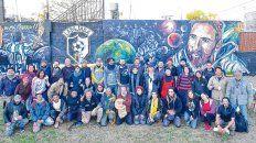 Transformación. La Bajada, además de ser identificado como el barrio de Messi, también será reconocido como el barrio de los murales.