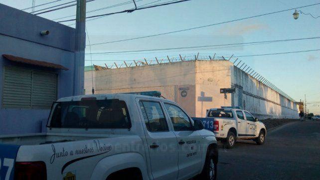 Tres reclusos muertos durante un incendio en una celda de la cárcel de Victoria