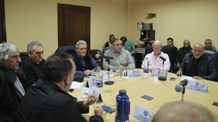 Los miembros del consejo directivo de la CGT deliberaron ayer en la sede de la calle Azopardo.