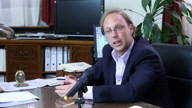 El ministro de Economía de Santa Fe tiene más dudas que certezas sobre el acuerdo con el FMI.