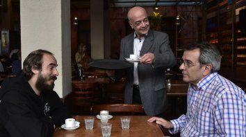 Ignacio Chazarreta, Christian Valci y Dali López intregran el elenco junto Edgardo Francés, Norberto Gallina, Gabriel Rocca y Luciano Temperini.