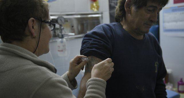 Campaña. Vacunación en el Hospital Roque Sáenz Peña.