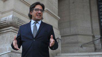 Funcionario. El ministro macrista en escalinatas de los Tribunales.