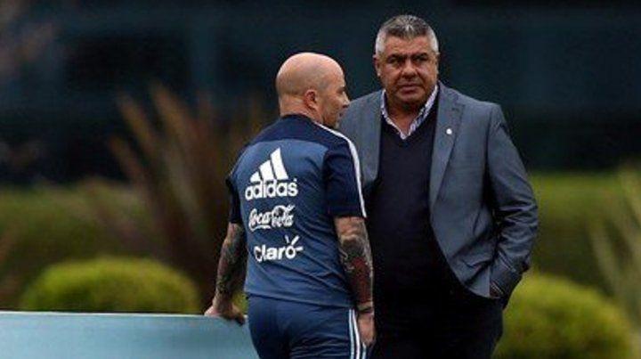 Tapia respaldó a Sampaoli ante las polémicas acusaciones