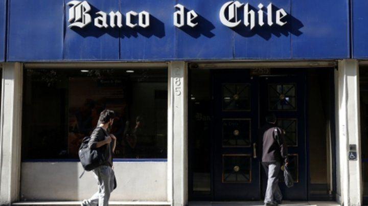 Banco de Chile. Otras fuentes dicen que habrían robado 100 millones.