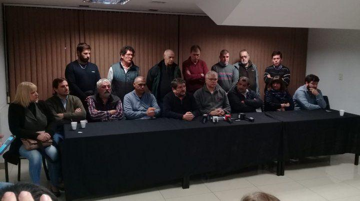 Los dirigentes del Movimiento Sindicial rosarino impulsan medidas de fuerzas.