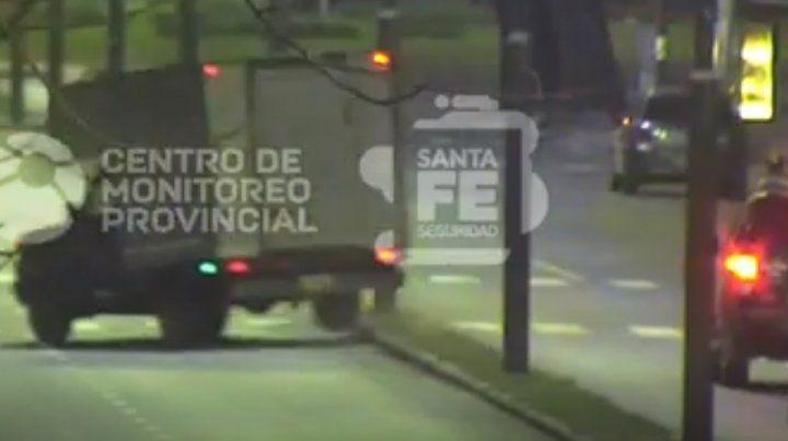 El video de una espectacular persecución y choque en zona oeste, con dos detenidos