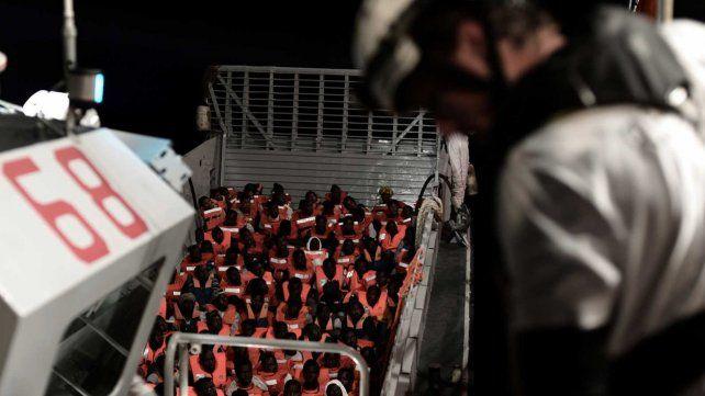 El buque Aquarius de la ONG Médicos Sin Fronteras (MSF) y SOS  Méditerranée tiene 629 personas abordo -123 son niños