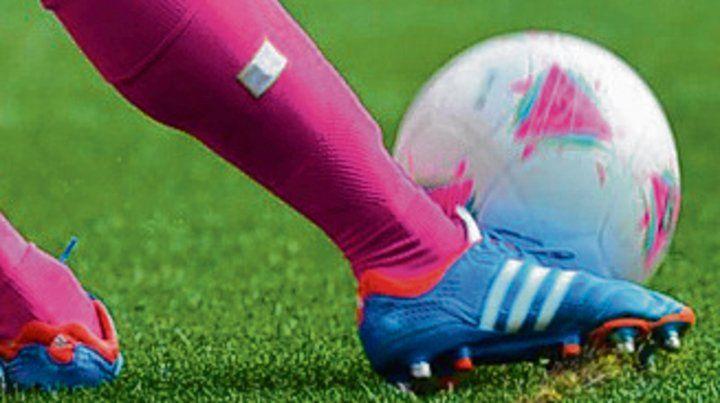 Por liga municipal de fútbol femenino