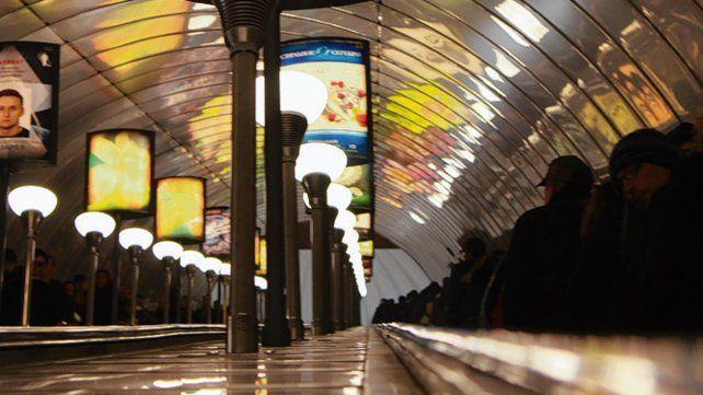 Ni un mendigo en el andén. El metro de Moscú y su majestuosa arquitectura.