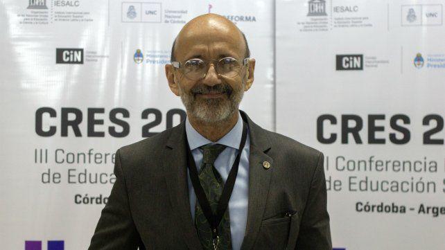El rector de la Universidad Nacional de Rosario