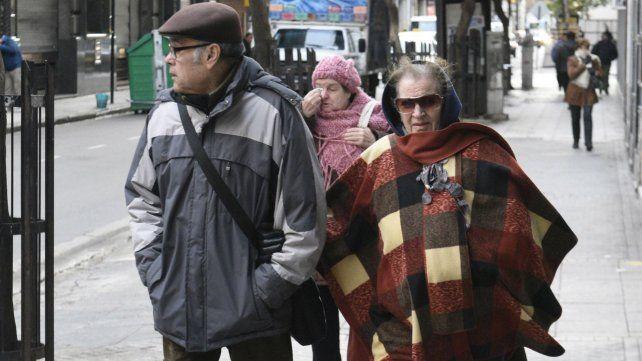 Rosario sigue sometida a los rigores del frío polar y con chances de lluvias aisladas