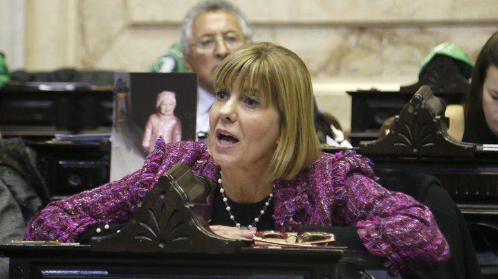 La diputada Rodenas contó el caso de una chica de 16 años que murió a causa de un aborto clandestino.