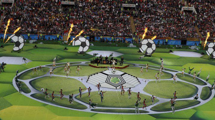 Con una ceremonia breve y brillante arrancó el Mundial de Rusia y es el turno del fútbol