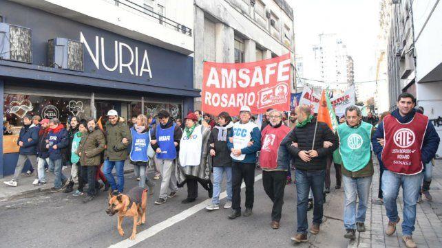 La marcha recorrió varias calles del centro de Rosario.