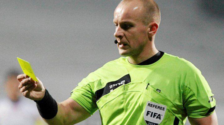 El polaco Marciniak dirigirá el debut de Argentina ante Islandia