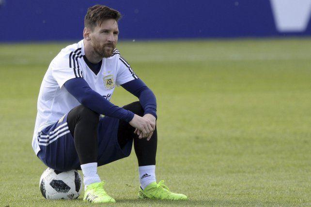 Los pésimos antecedentes de Messi con el árbitro que dirigirá el duelo con Islandia