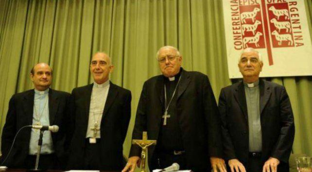 Los integrantes de la Conferencia Episcopal Argentina maniestaron su pesar sobre el aborto.