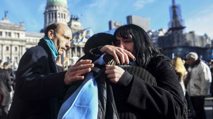 Tristeza de los movimientos por las dos vidas tras la media sanción en Diputados de la ley del aborto.