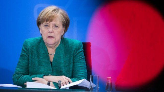 Merkel solicitó anteayer a los diputados de la CDU apoyo a su política de asilo.