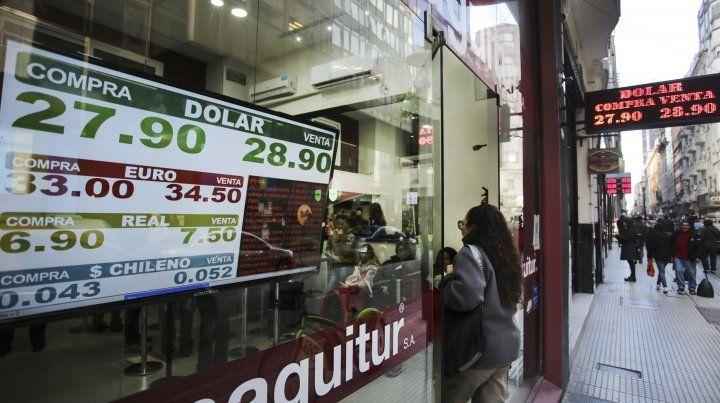 El dólar sigue con su escalada imparable.