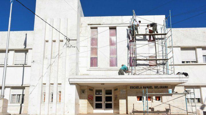 Opción. La escuela Belgrano eligió la pintura de su fachada.
