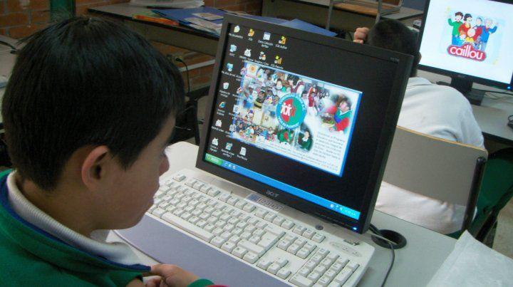 La aparición de la computadora parece haber restado hábito de lectura en las nuevas generaciones.