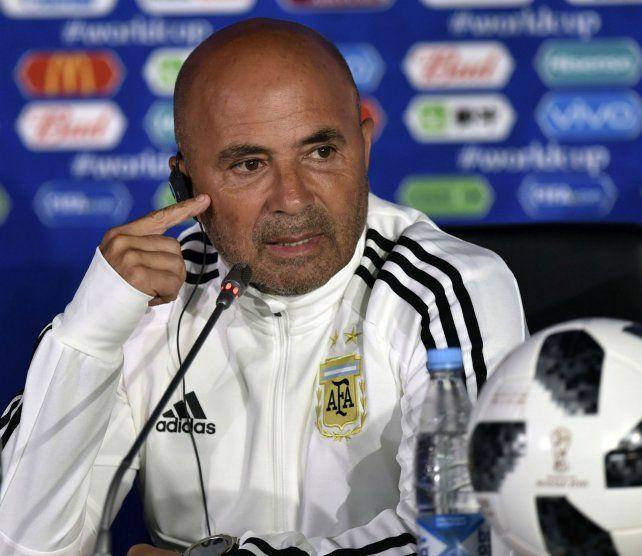 Técnico. El casildense tocó varios temas en la previa del estreno mundialista ante Islandia. El Zurdo confía muchísimo en Messi.