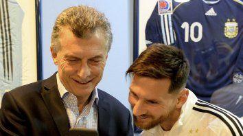 El presidente Mauricio Macri y el capitán de la selección argentina, Lionel Messi.