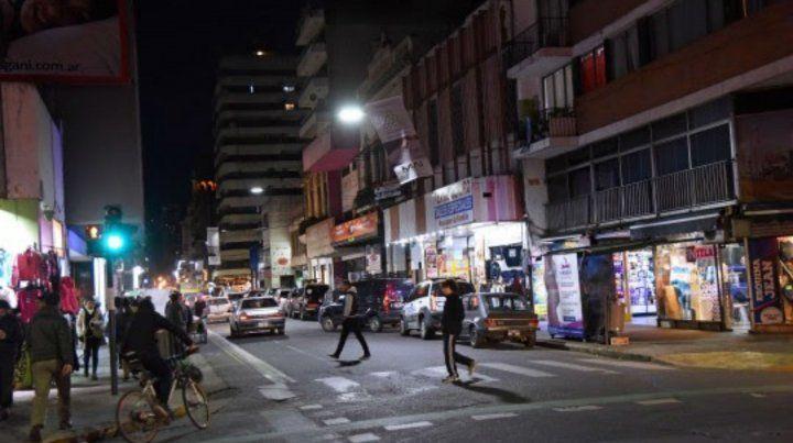 Iluminado. El corredor reformado va de Moreno a San Martín.
