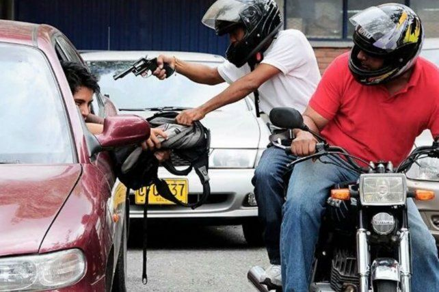 Peligro. El 51% dijo haberse visto afectado por los motochorros.