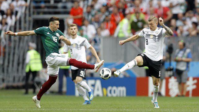 México festeja una histórica victoria sobre Alemania en Moscú