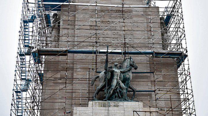 En obras. El Monumento está siendo restaurado integralmente.