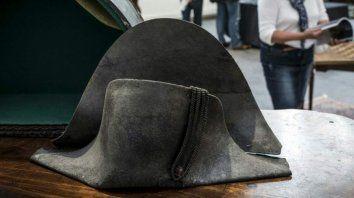 El sombrero de dos picos.