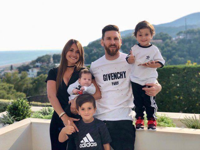 Antonella posteó una foto en apoyo al capitán argentino. (Foto:antoroccuzzo88)