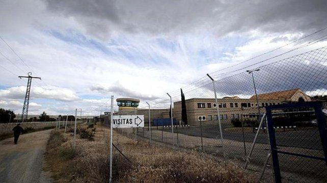 Urdangarin se presentó  sin ser detectado por los fotógrafos en la cárcel de Brieva