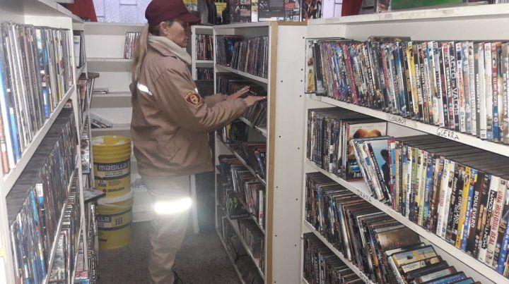 La GUM secuestró casi 5 mil películas apócrifas en zona oeste