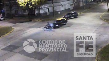 Un video muestra el espectacular vuelo de un motociclista