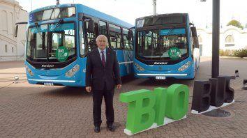 Lifschiz firmó un convenio para el uso de biodiesel en los colectivos de Rosario