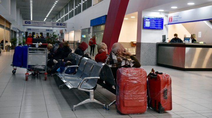 Sin vuelos: aeronáuticos confirmaron que se suman al paro del lunes