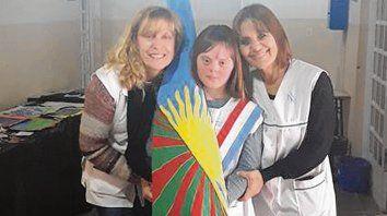 Para el recuerdo. Luisa con sus maestras Berta Gil y Sandra Balzi.